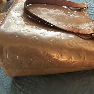 Louis Vuitton Verni Houston in beige